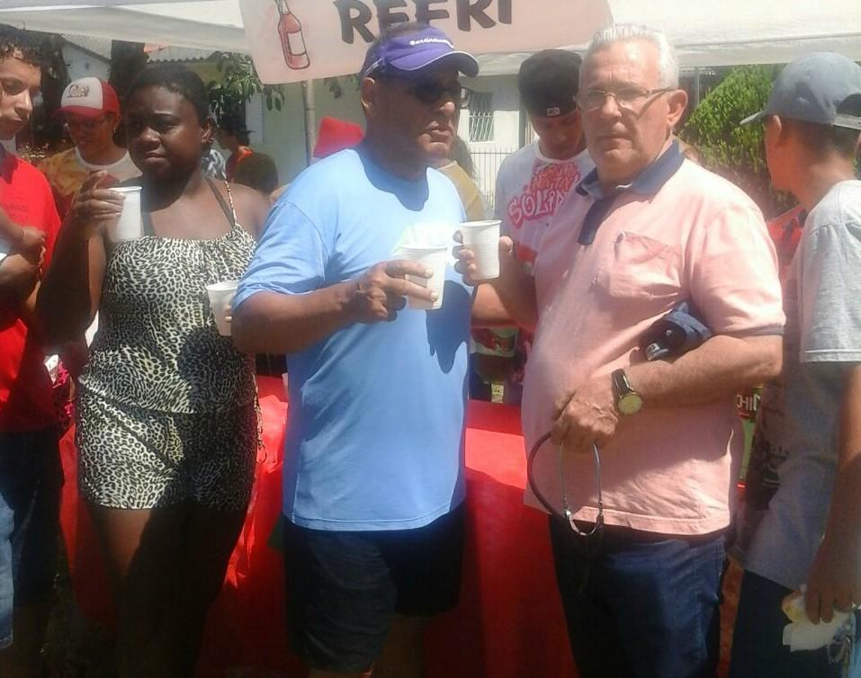 Vereador Bento do Bem e assessores prestigiam Natal Solidário no bairro Cohab