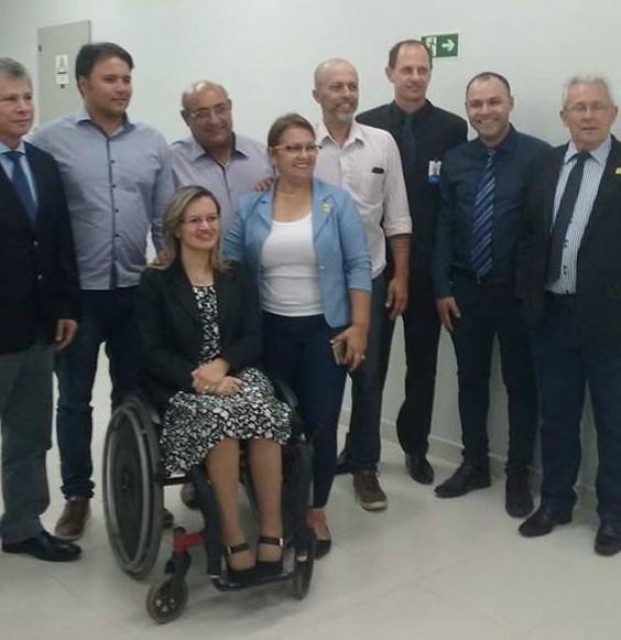 Vereadores prestigiam inauguração de nova agência do Banrisul