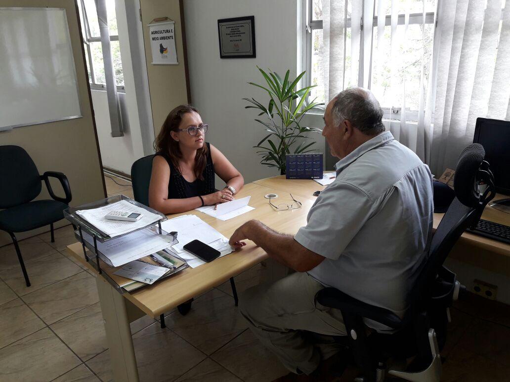 Vereadora Claudinha Jardim reúne-se com secretário de Agricultura e Meio Ambiente