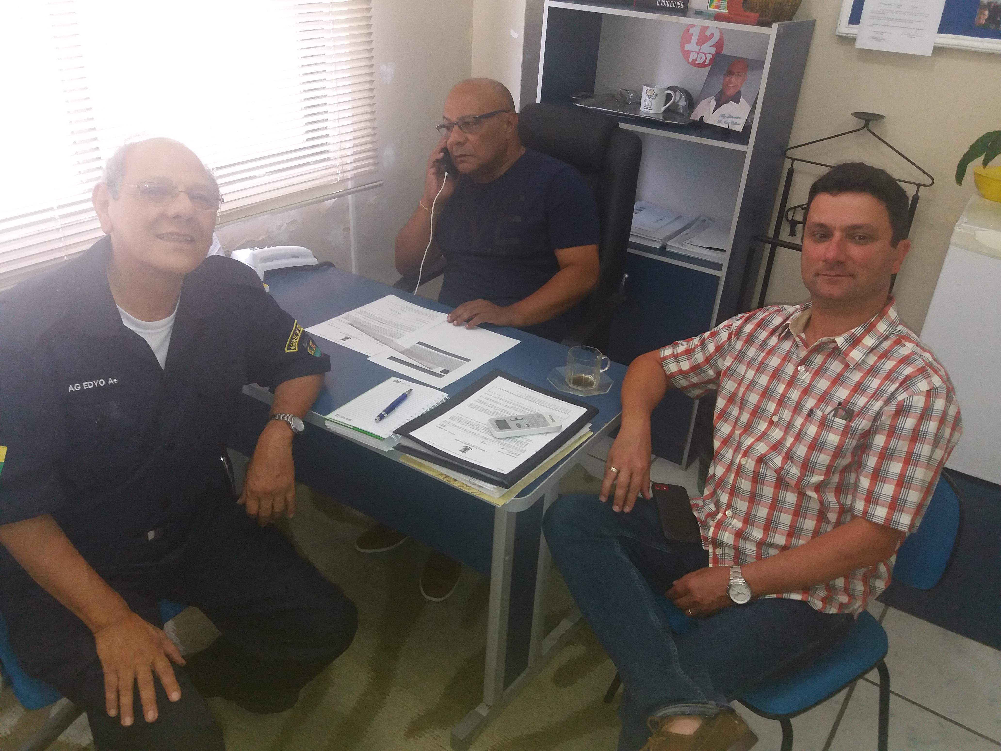 Vereador Dr. João Collares reúne-se com representantes da APAE