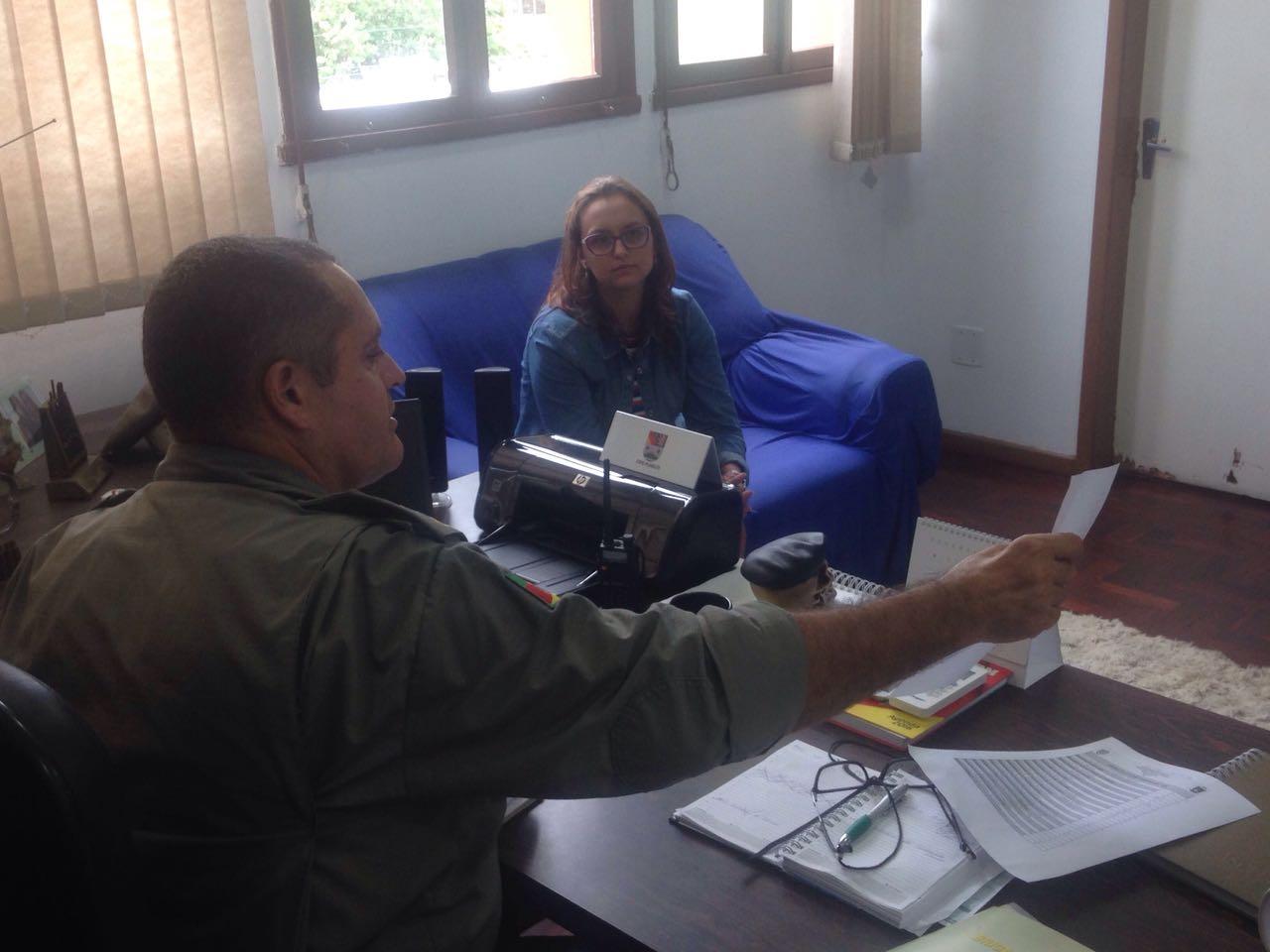 Professora Claudinha Jardim reúne-se com Coronel Quadros