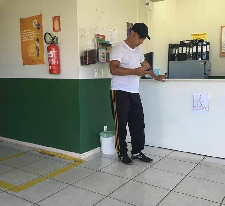 Vereador Ale Alves visita posto de saúde no bairro Primavera