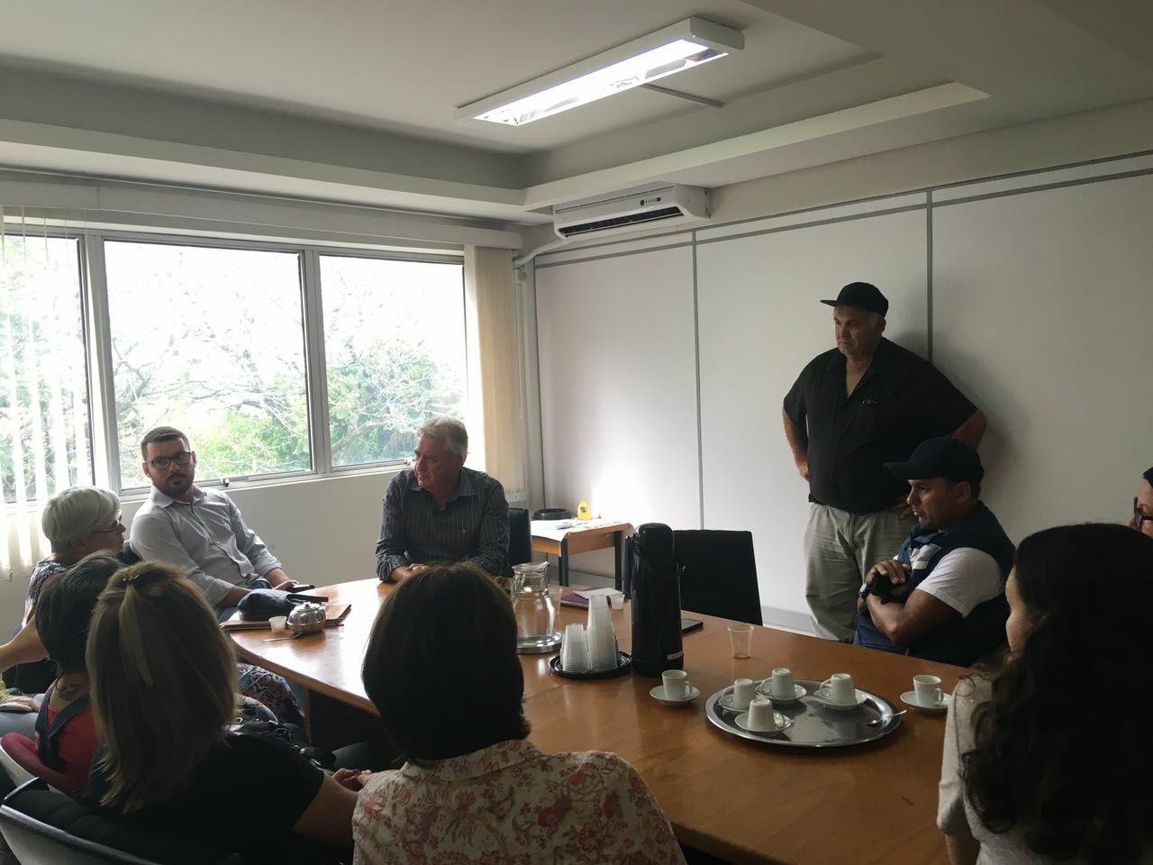 Vereador Ale Alves participa de reunião sobre castrações de animais