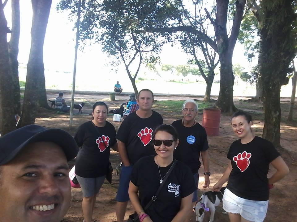 Vereador Ale Alves participa de Feira de Adoção de Animais