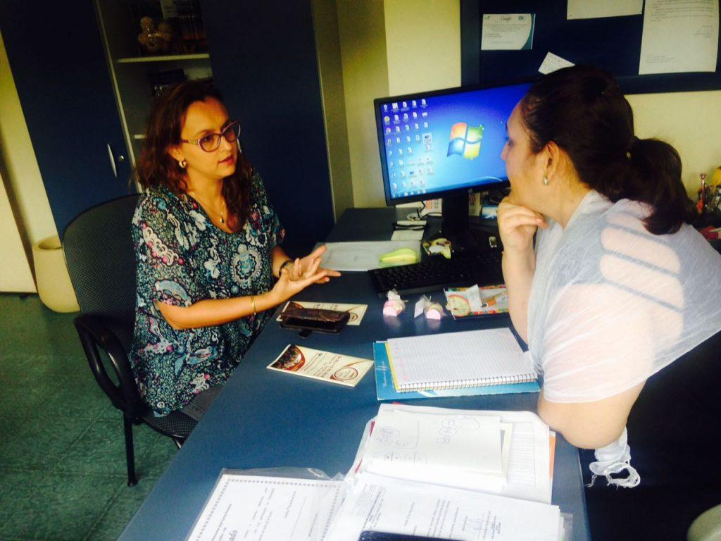 Vereadora Claudinha Jardim reúne-se com secretária de Educação