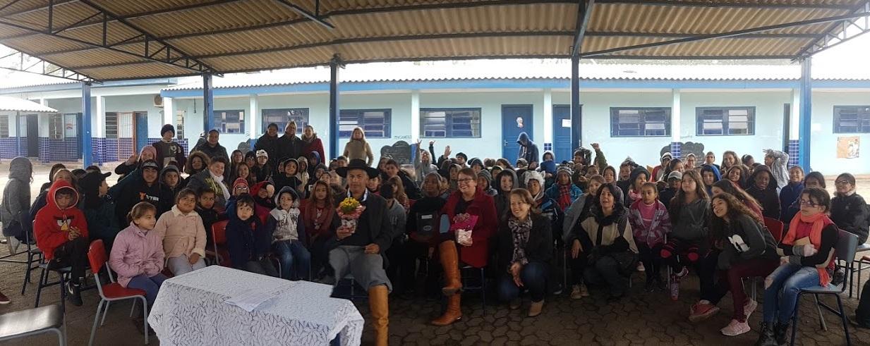 Vereador Manoel Eletricista participa de palestra na Escola Darci Berbigier