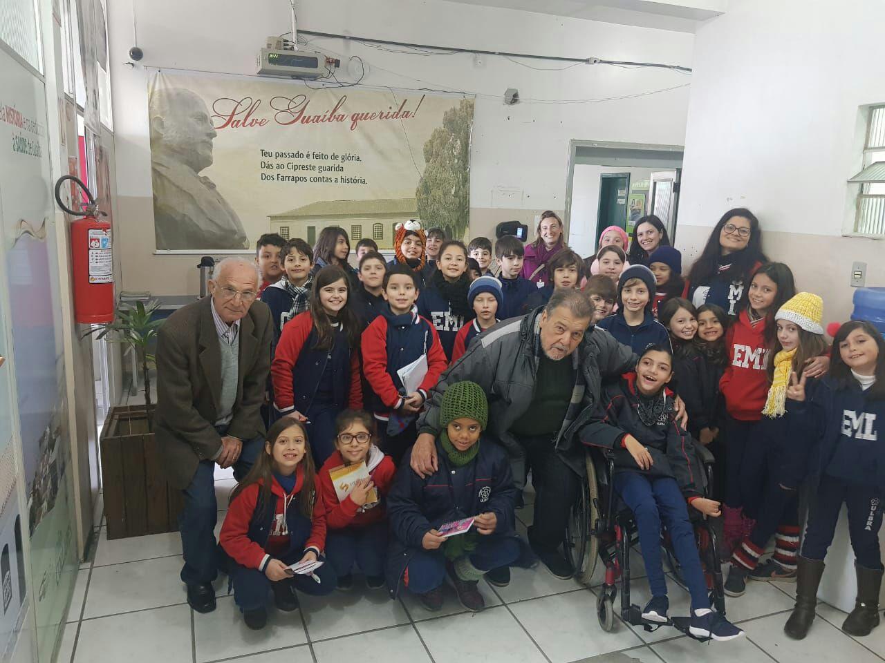 Estudantes do Colégio Martinho Lutero visitam a Câmara Municipal