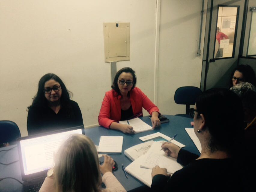Vereadora Claudinha Jardim participa de reunião de trabalho do Fórum Municipal de Educação