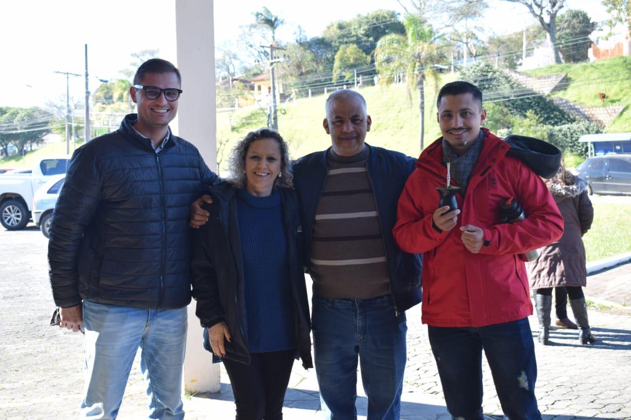 Vereador Manoel Eletricista prestigia chegada da centelha da Chama da Pátria