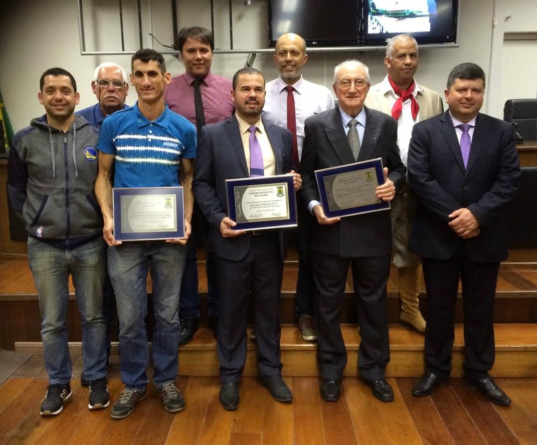 Vereadores Manoel Eletricista e Everton da Academia prestam homenagens em Sessão Solene na Câmara Municipal
