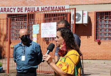 Presidenta Ana Affonso participa de ato em defesa da Escola Estadual Especial Aracy de Paula Hofmann