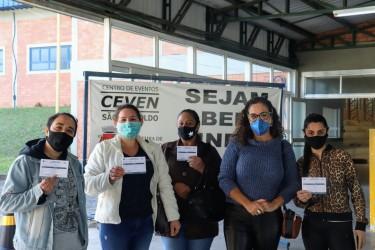 São Leopoldo é o primeiro município do RS a vacinar todos os trabalhadores da educação