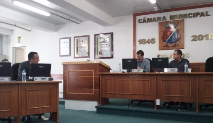 Vereador Dr. Carlos Szulcsewski interpela o deputado estadual Gerson Borba (Chico) na CPI do Semae