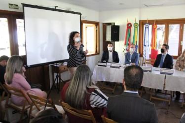 Lideranças se reúnem na ExpoInter para reverter cortes na saúde pública