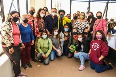 """Campanha """"Aqui tem respeito pelas mulheres"""" é lançada em São Leopoldo"""