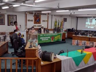 Plenário da Câmara recebe pré-conferência da Igualdade Racial
