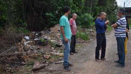 Vereador Rogério Brito visita dois bairros afetados por alagamentos em São Leopoldo