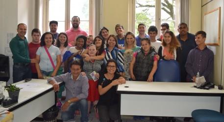 Vereador Rogério Brito recebe alunos da APAE