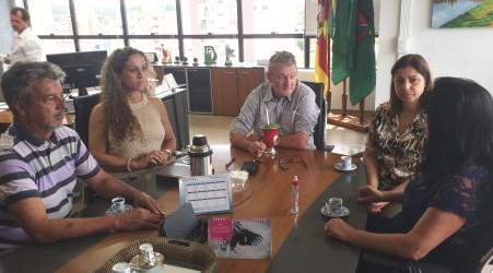 Mesa Diretora reúne-se com prefeito Vanazzi