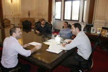 Na Casa Civil, vereador Arthur Schmidt esclarece que Banrisul não será privatizado