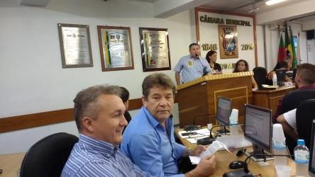 16-02 Bancada do PDT contra as reformas