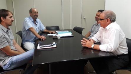 Júlio Galperim apresenta Projeto de Lei para secretário de Educação
