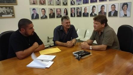 Ary Moura recebe reivindicações de leopoldenses