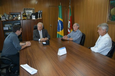 Júlio Galperim busca melhorias na segurança pública