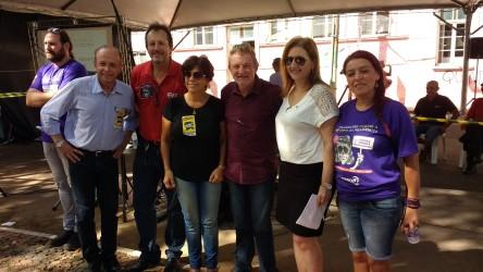 Iara Cardoso acompanha manifestações junto com a presidente da OAB Subseção São Leopoldo