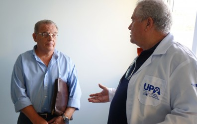 Júlio Galperim participa de encontro com novos responsáveis pela UPA Scharlau