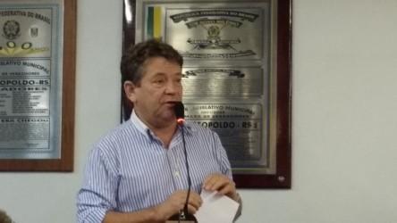 Ary Moura questiona horário das sessões da Câmara
