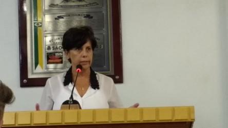 Iara Cardoso protocola projeto que regulamente atendimento da rede de saúde