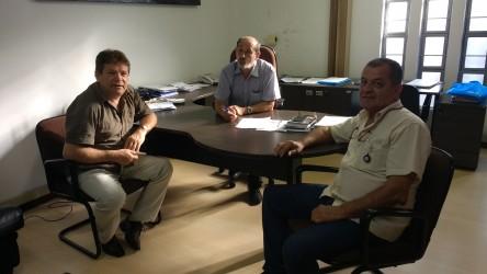 Ary Moura é recebido por diretores do Semae
