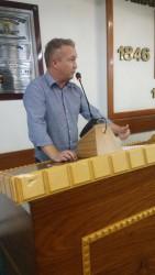 Fabiano pede esclarecimentos sobre concessões do município