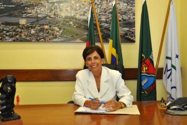 Iara Cardoso promove audiência pública para discutir estacionamento rotativo