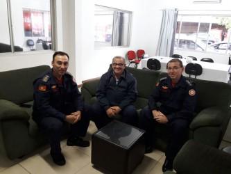 Júlio Galperim debate projeto com comandante dos Bombeiros de São Leopoldo