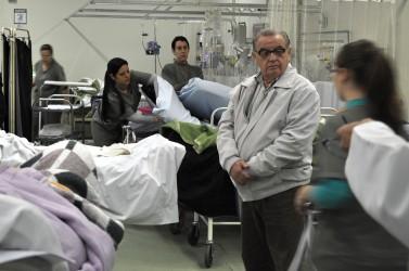 Júlio Galperim realiza nova visita ao Hospital Centenário