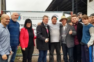 Vereador Dudu Moraes acompanha a reinauguração do entreposto de Resíduos Extradomiciliares na Scharlau