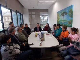 Vereadores do PDT acompanham reunião na habitação