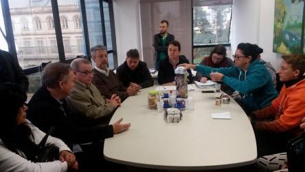 Fabiano representa a comissão Habitação em reunião na Prefeitura
