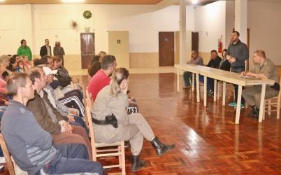 Vereador Arthur elabora com comunidade estratégias para combater insegurança no São João Batista