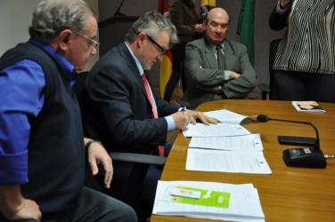 Projetos de Júlio Galperim são sancionados por Vanazzi