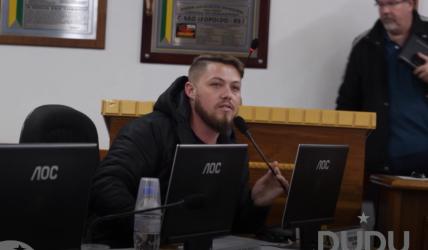 Dudu Moraes defende Governo Vanazzi e chama Buz de guri de recado do candidato Nado