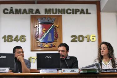 Ana Affonso apresenta requerimentos na CEI da Zona Azul para obter informações sobre contrato com a Rek Parking