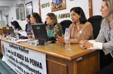 Durante Audiência Pública dos 11 anos da Lei Maria da Penha, Ana Affonso apresenta projeto de enfrentamento à violência doméstica