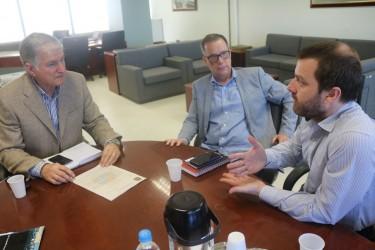 Arthur Schmidt discute melhorias para o trensurb em São Leopoldo