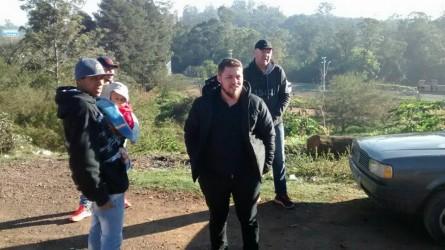 Dudu Moraes acompanha trabalho da Prefeitura na comunidade Santa Helena