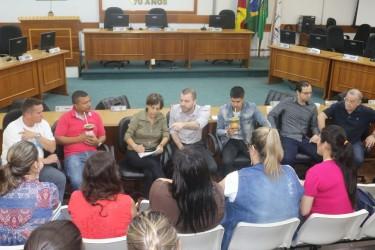 Representantes das escolinhas credenciadas pedem repasse, diálogo e respeito ao governo
