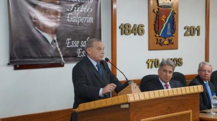 30/08 Júlio Galperim - Título de Cidadão Leopoldense Dr. Adalberto Broecker Neto