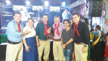 Vereador Ary Moura concede troféu Mérito Cultural